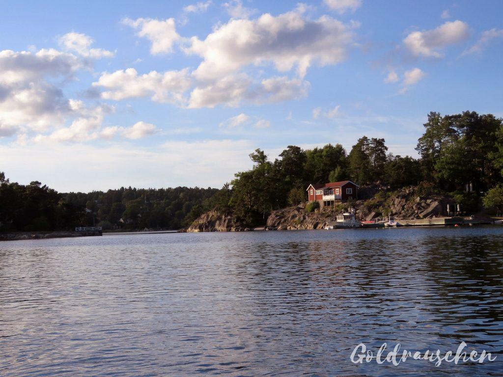 Mit dem Boot im Stockholm Schärengarten